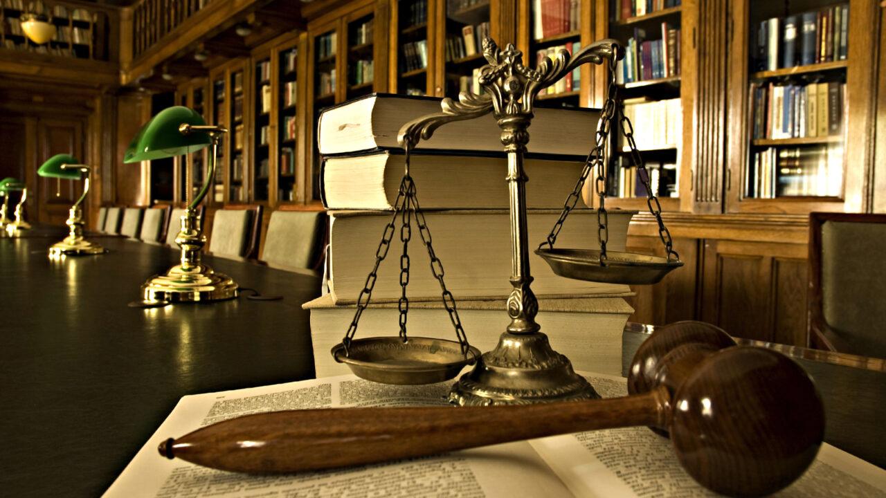 Примирение в уголовном деле. Сделка с прокурором и потерпевшим.
