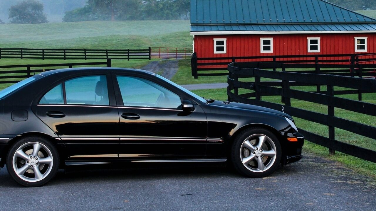 Автомобиль, приобретенный по доверенности — общая совместная собственность супругов. Позиция Верховного Суда.