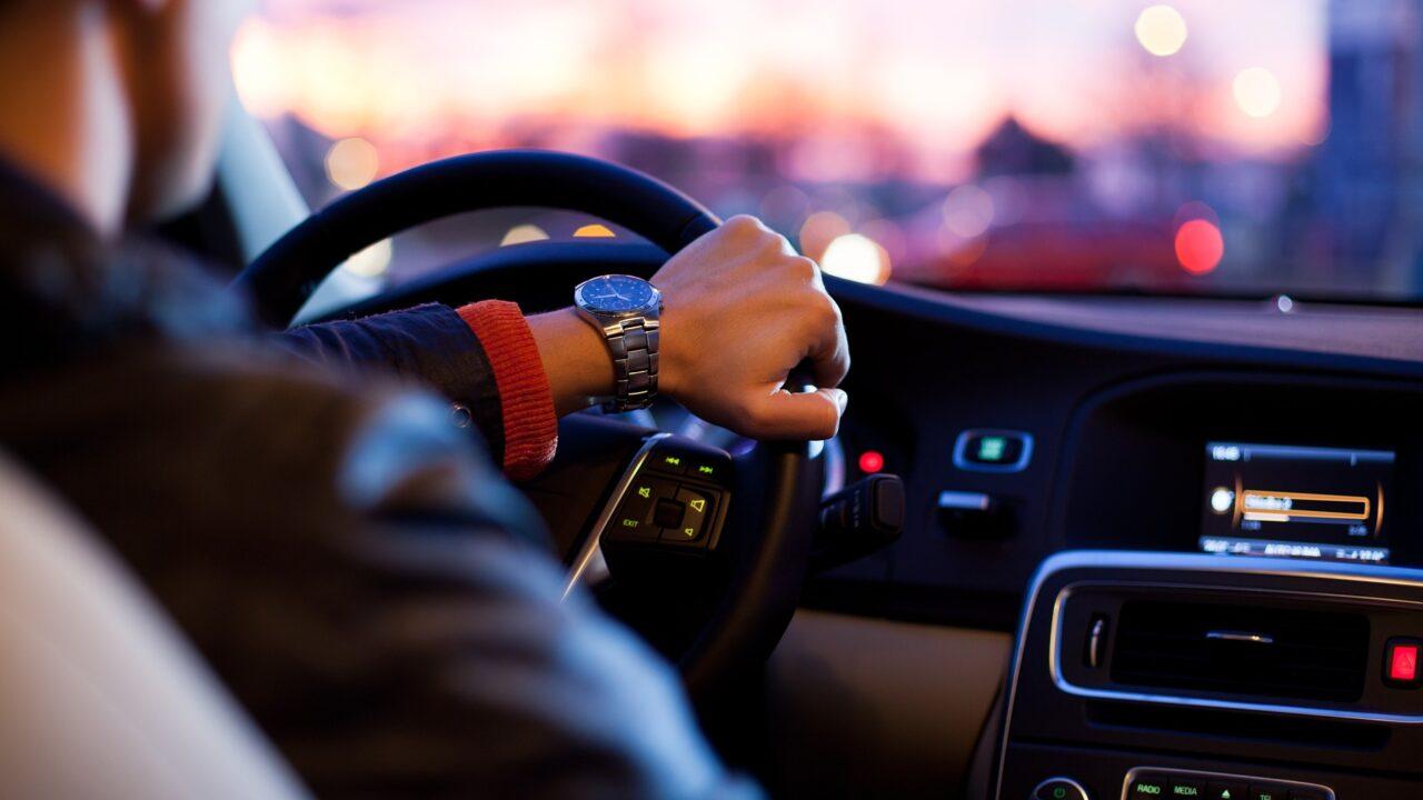 Штраф за вождение без документов: когда он правомерный?