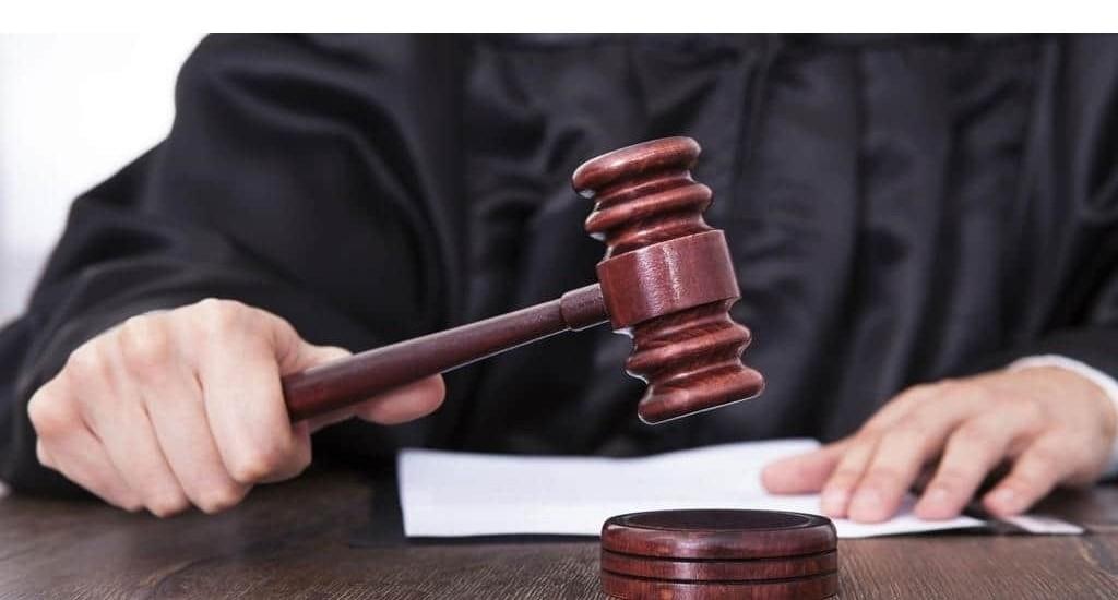 Дача показаний и признание в совершении преступления без адвоката.