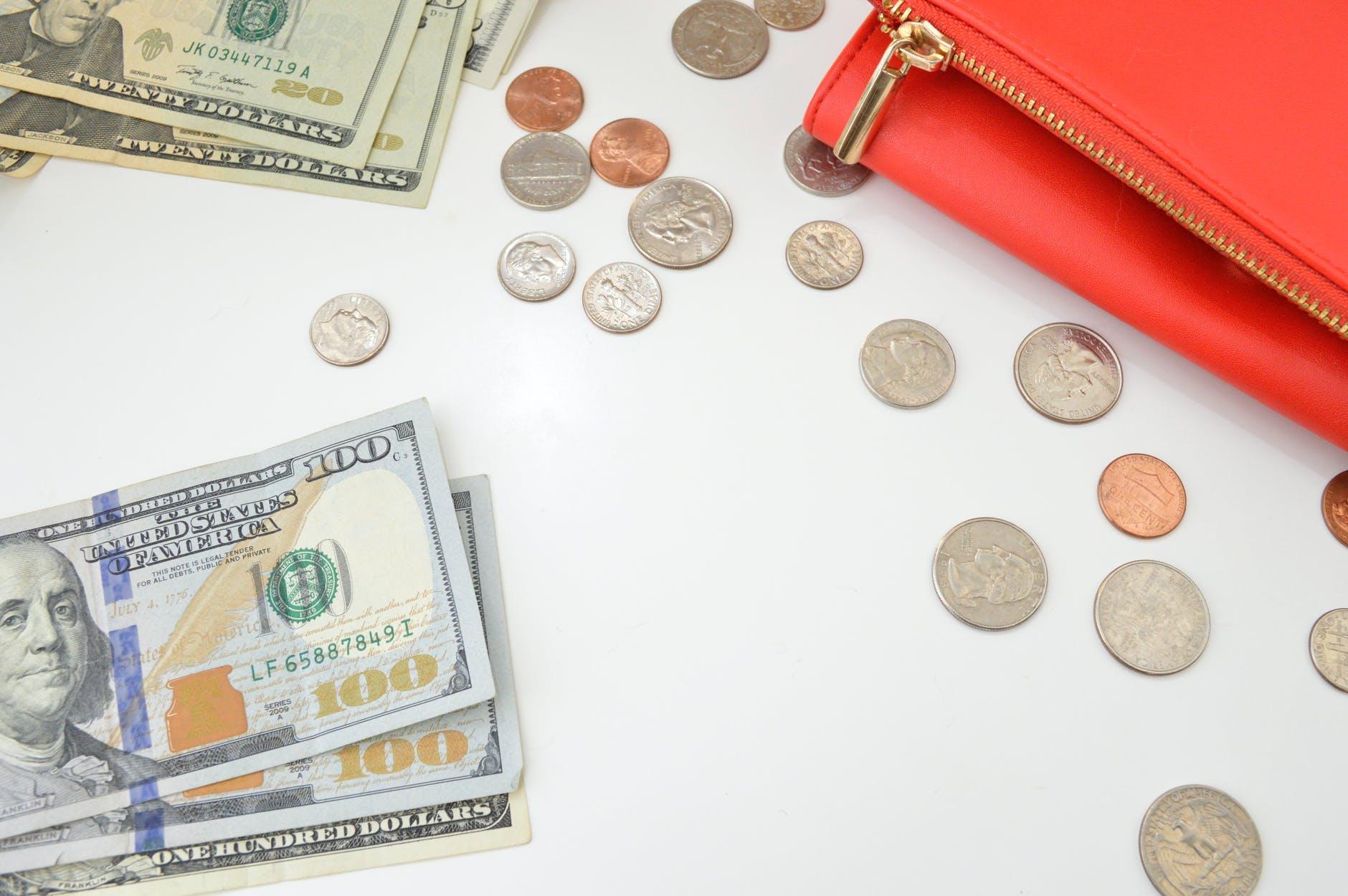 Автоматический арест и списание средств со счета: что нужно знать?